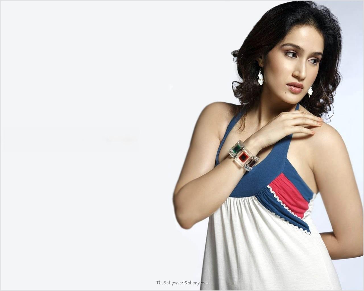 Sagarika Ghatge Bollywood Actress Hot Wallpapers